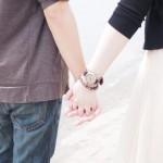 付き合う前なのに恋人繋ぎしてくる男性心理を3つのケース別に解説