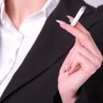 喫煙する女性は恋愛対象外?タバコを吸う女性を嫌う男性心理
