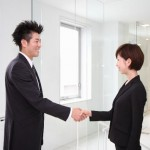 好意?挨拶?握り方別握手を求める男性心理