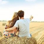男性の強い衝動がベース!女性の腰に手をまわす意味と心理