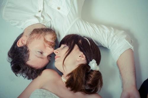 8c610d3e5cb233e116e5a2c8ad0ec795 s 1 500x331 - 一緒に寝るカップルのラブラブ度が高い理由と寝れない時の対処法