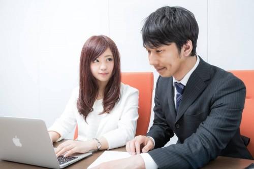 https www.pakutaso.com assets c 2015 06 SEP 329915201730 thumb 1000xauto 16091 1 500x334 - 見惚れても大丈夫?視線を使った好きな人への効果的なアプローチ方法
