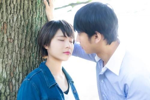 https www.pakutaso.com assets c 2015 04 CON kiss15102224 thumb 1000xauto 13060 1 500x334 - 不意打ちでもいいよ♪思わず男性がキスしたくなる女性の仕草5選