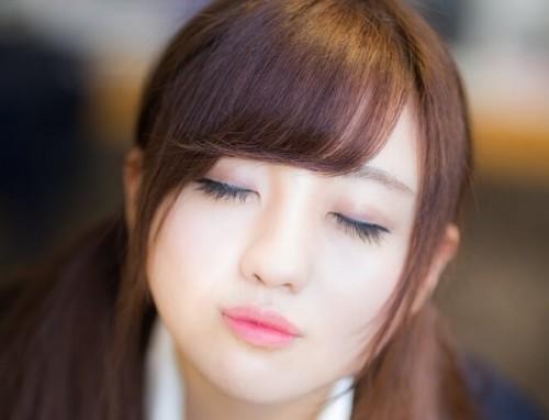 https www.pakutaso.com assets c 2015 06 TSJ89 kiss20150208143117 thumb autox1000 18255 1 500x382 - 男性に「この子超カワイイ~!」と思わせる魅力的なキス顔の作り方