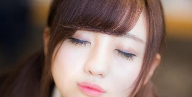 https www.pakutaso.com assets c 2015 06 TSJ89 kiss20150208143117 thumb autox1000 18255 1 650x330 - 男性に「この子超カワイイ~!」と思わせる魅力的なキス顔の作り方