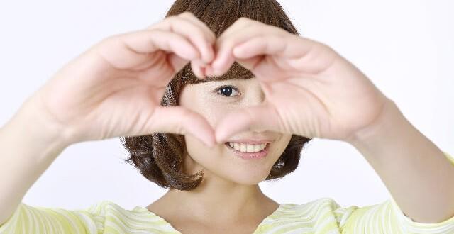 adc625926bc91cf55aae6f5699e3eb96 s 1 640x330 - 男性側から見て「可愛い」と感じる女の子の特徴5つ