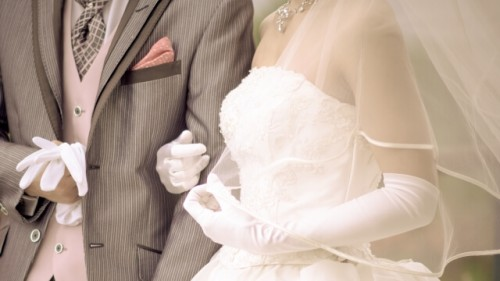 e4adc57a56f3c8aa6b2215823f993483 s 1 500x281 - 「 いきなり結婚」のメリットとデメリット|賢い選択?それとも浅慮?