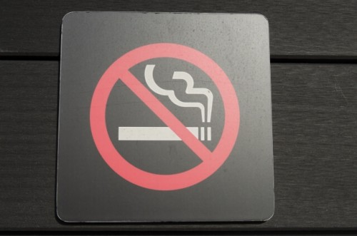 f381e46d8784168242f948aa4fdace88 s 1 500x331 - 彼女だからこそできる!?彼氏にタバコをやめさせる効果的な方法
