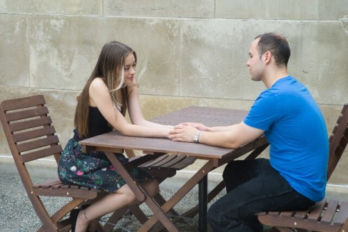 1a11 500x333 - 恋愛で妥協して付き合うのはあり?妥協した女子の本音と付き合うメリット