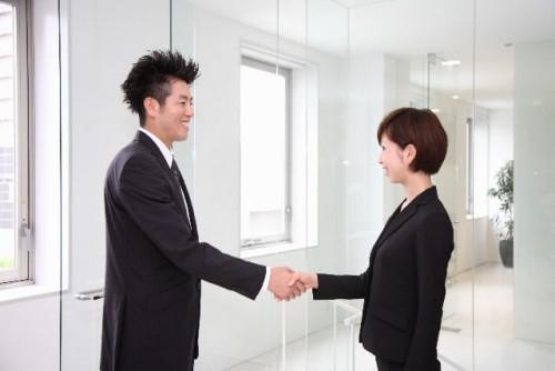 a15 500x334 - 好意?挨拶?握り方別握手を求める男性心理