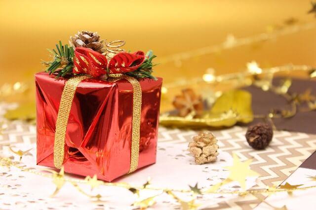 18 - 2017年|年上彼氏へのクリスマスプレゼントの予算とおすすめは?
