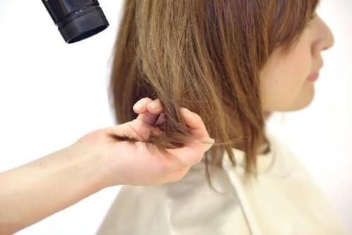 12 500x334 - 失恋したときに女性が髪を切る理由と驚くべき効果