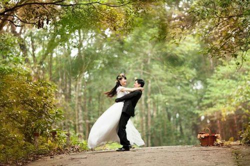 1 2 500x333 - 親に言いづらい!プロポーズされたことを親に切り出す方法と話すタイミング