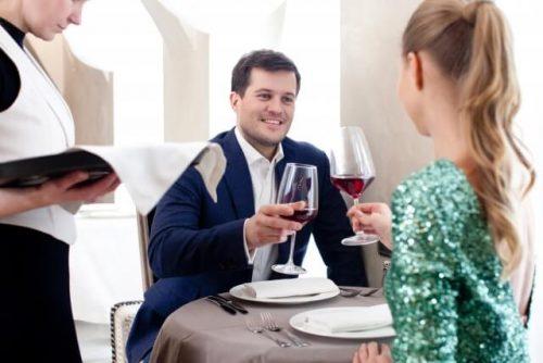 1 1 6 500x334 - 職場の既婚男性が独身女性を食事に誘う心理と角を立てない対処法