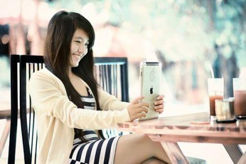 1 1 2 500x333 - 才色兼備の慶応大学女子の特徴とコーデ!高嶺の花と思われてる?
